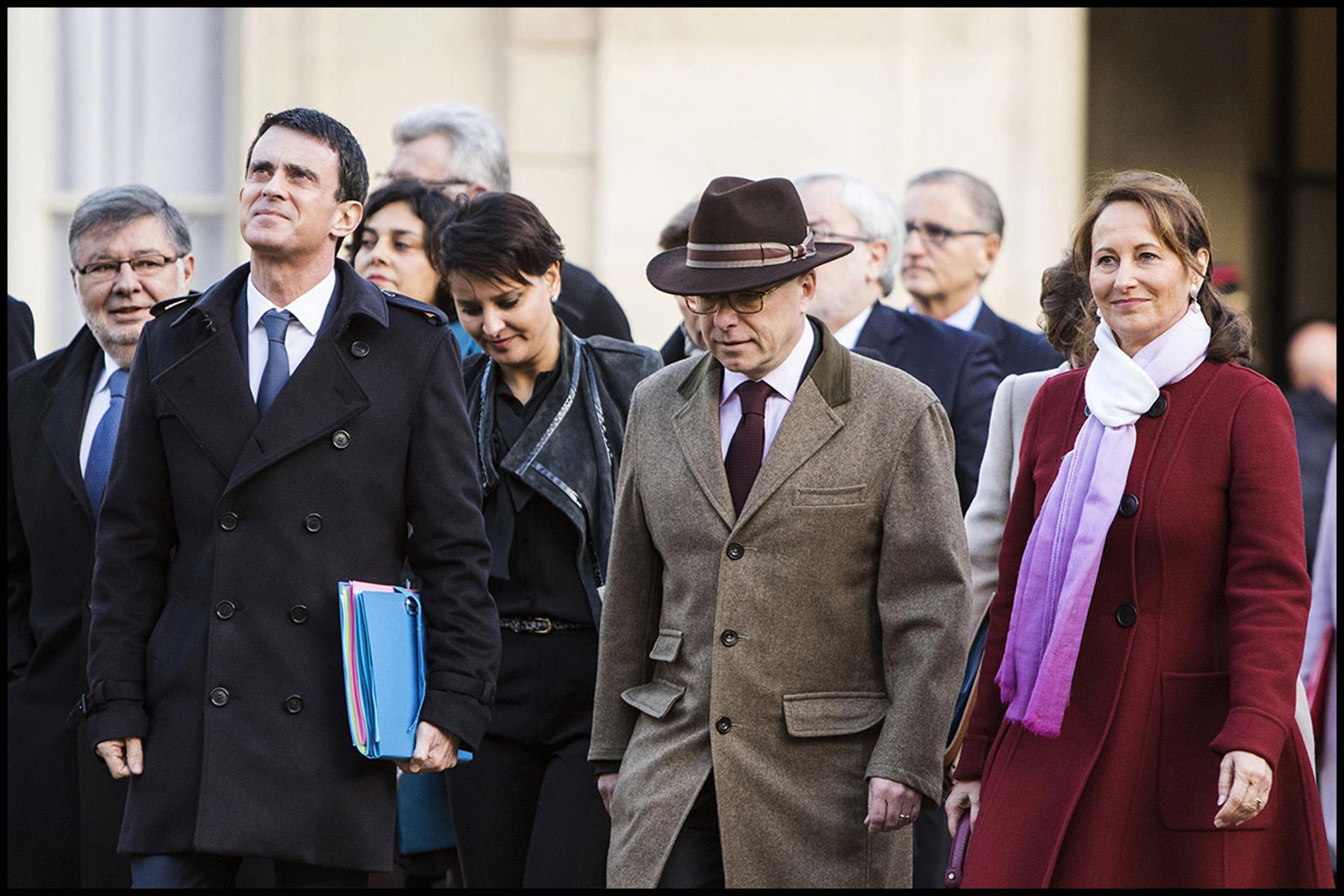 A l'occasion du 1er conseil des ministres de l'année, le gouvernement vient à pied du ministère de l'intérieur place beauvau, à l'Elysée.