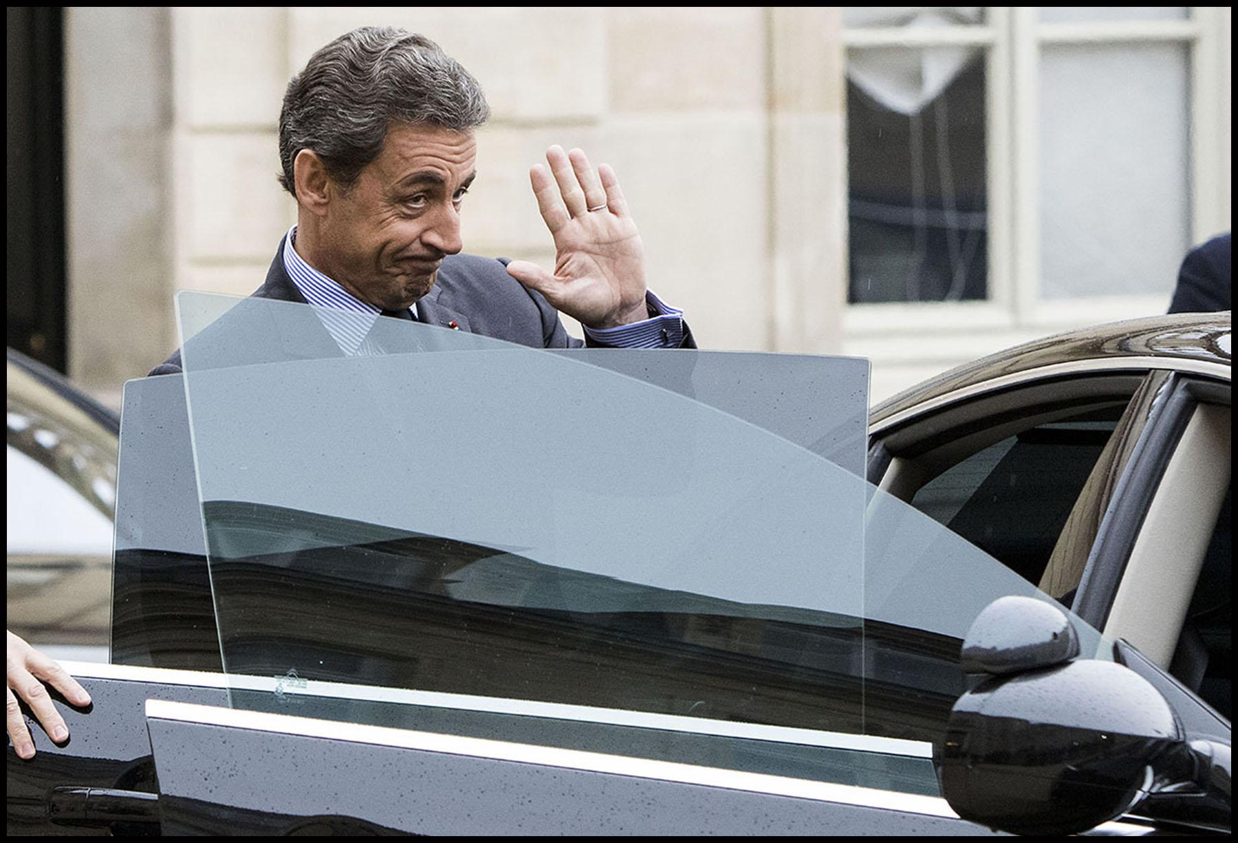 L'ancien président Nicolas SARKOZY reçu à l'Elysée par le président François HOLLANDE qui consulte les principaux responsables politiques sur la réforme de la Constitution.