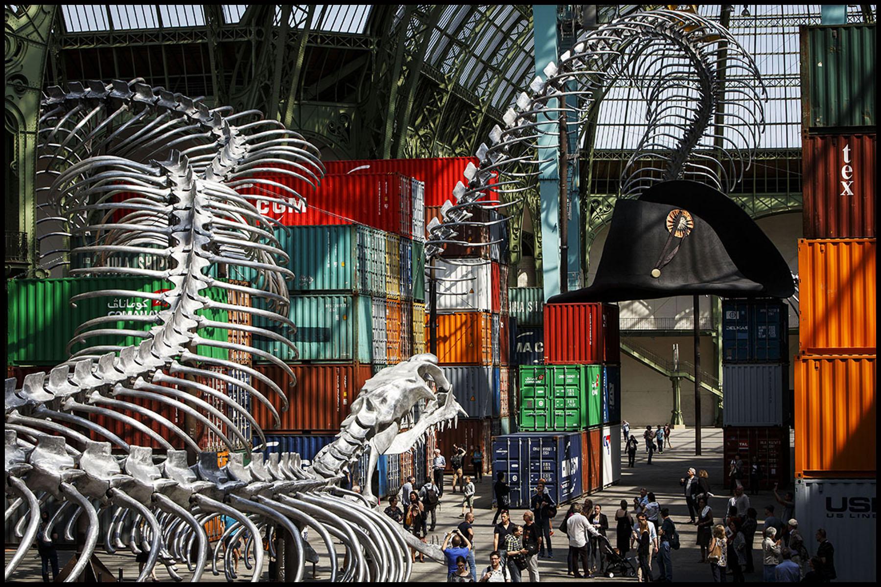 Ouverture au public de l'exposition Monumenta au Grand Palais, dont l'invité, l'artiste HUANG YONG PING présente son oeuvre: Empires.