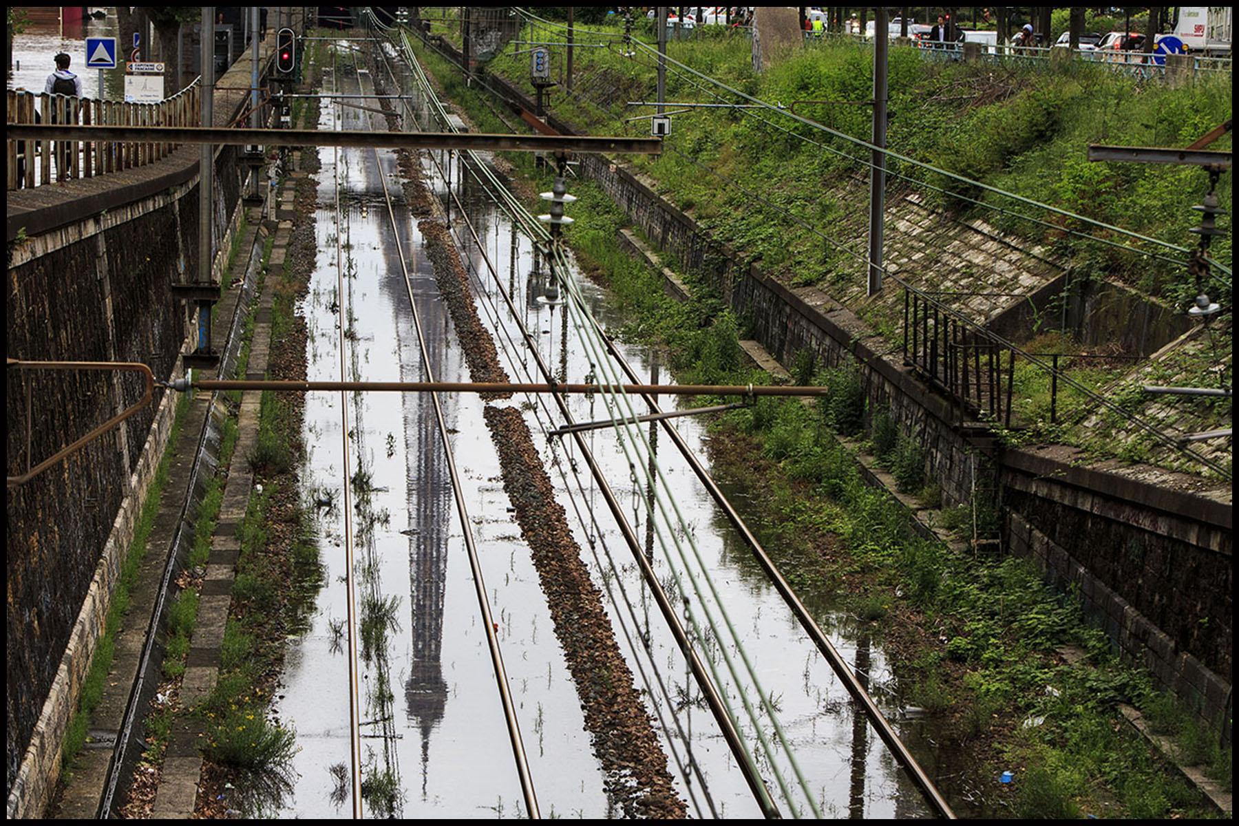 La crue exceptionnelle de la Seine à Paris stabilisée à 6,09 m provoque des inondation sur les berges