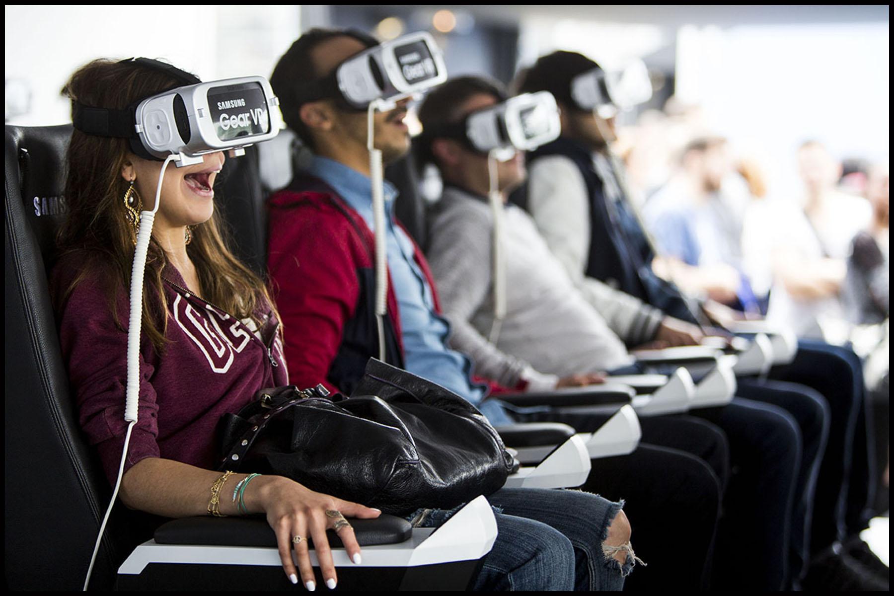 Samsung  Electronics France inaugure à Paris le S7 Life Changer Park, son premier parc d'attractions de réalité virtuelle entre les tours de la Bibliothèque François Mitterrand.
