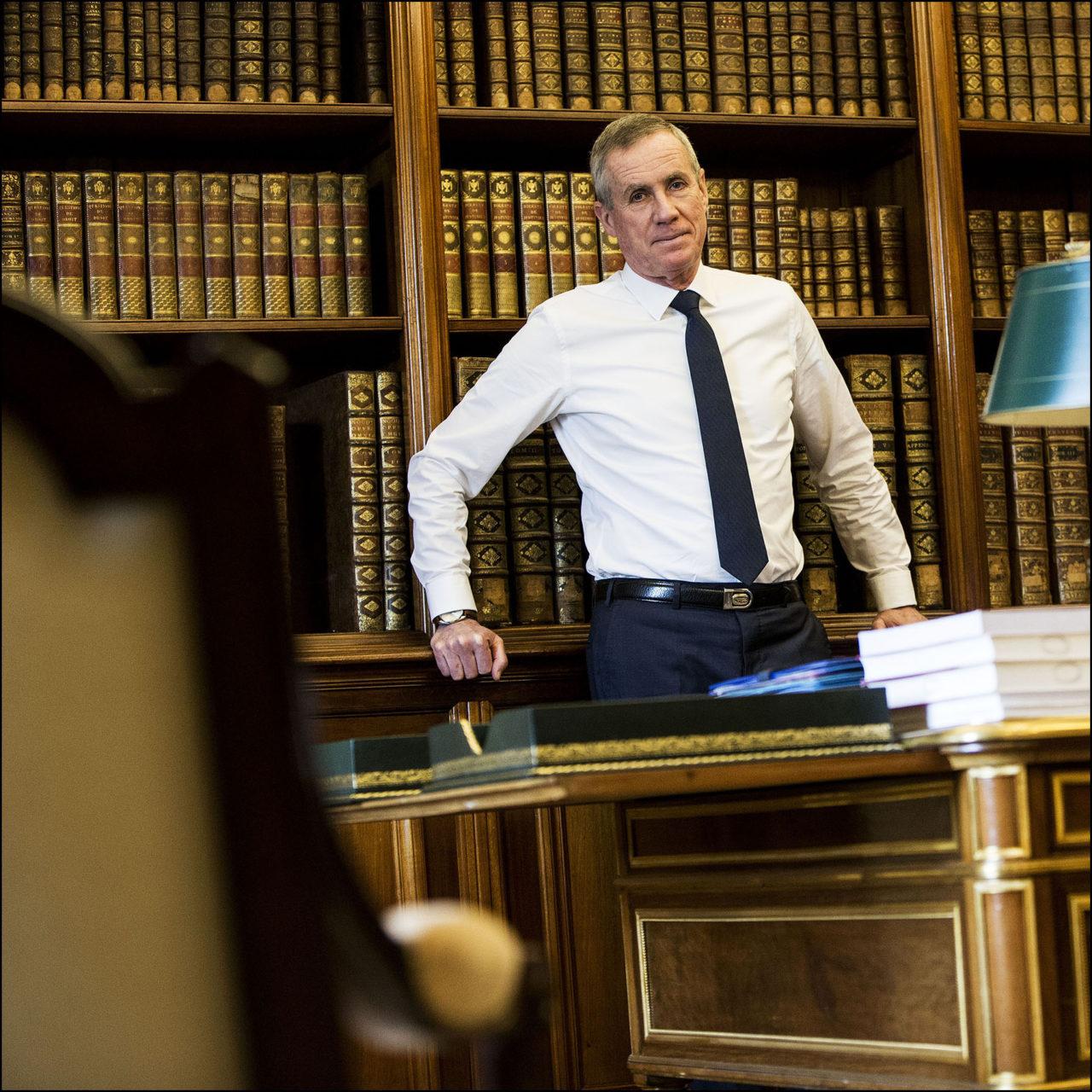 François MOLINS, procureur général près la cour de cassation, dans son bureau au Palais de Justice de Paris.