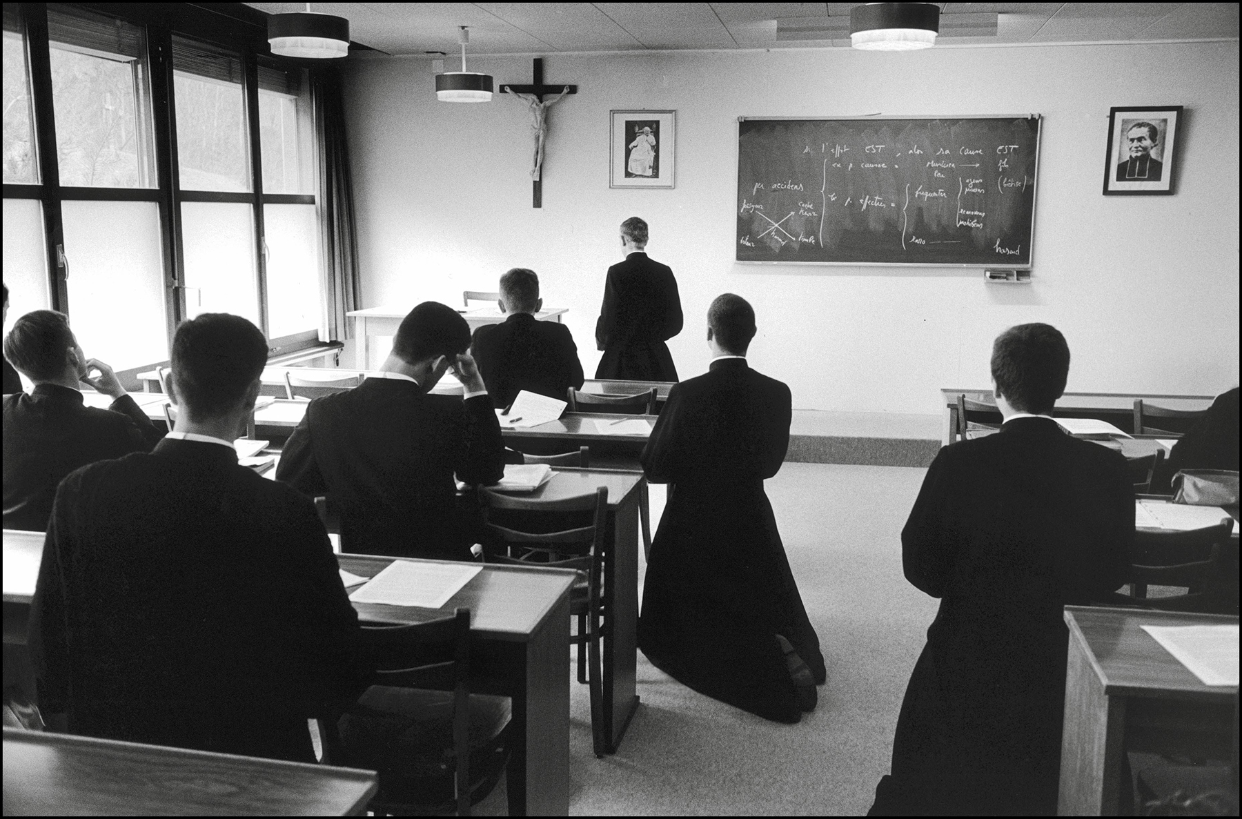 04/00/1999. EXCLUSIVE Econe, the seminary of the excommunicated