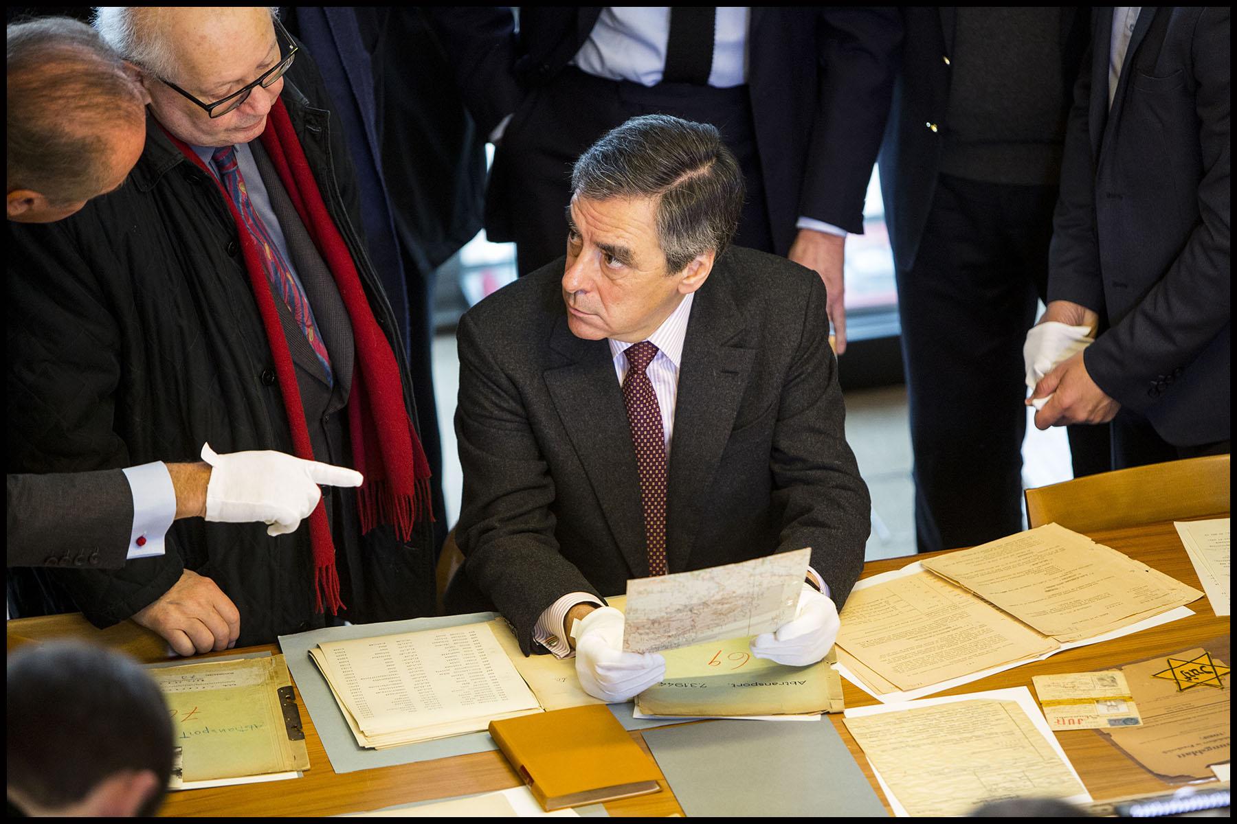 François FILLON visite le Mémorial de la Shoah à Paris