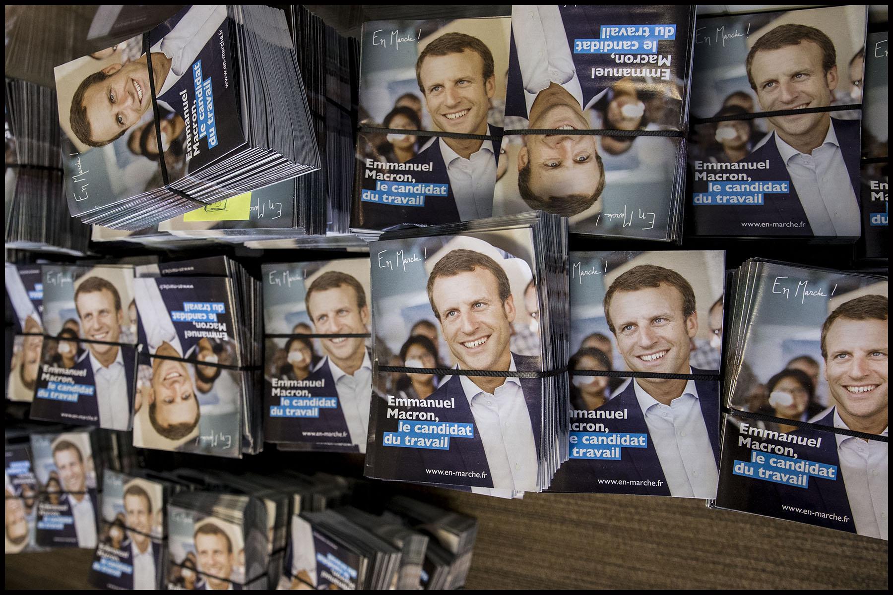 Visite des locaux de campagne du mouvement EN MARCHE d'Emmanuel MACRON dans le 15ème arrondissement de Paris.