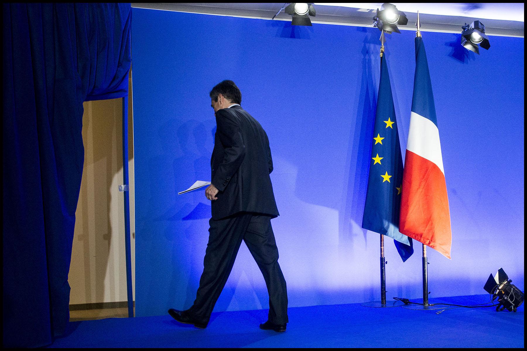 François FILLON, le candidat Les Républicains à l'élection présidentielle présente son programme à son QG de campagne.