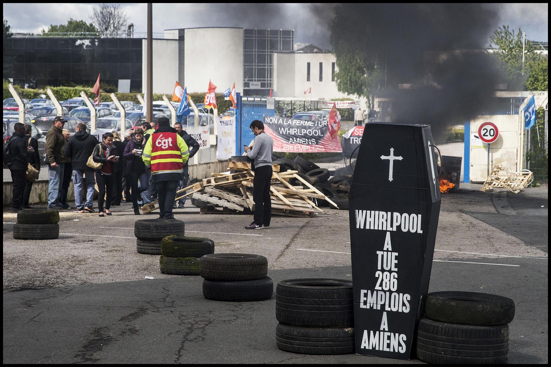 L'usine Whirlpool d'Amiens à l'arret après l'annonce de sa délocalisation en Pologne.