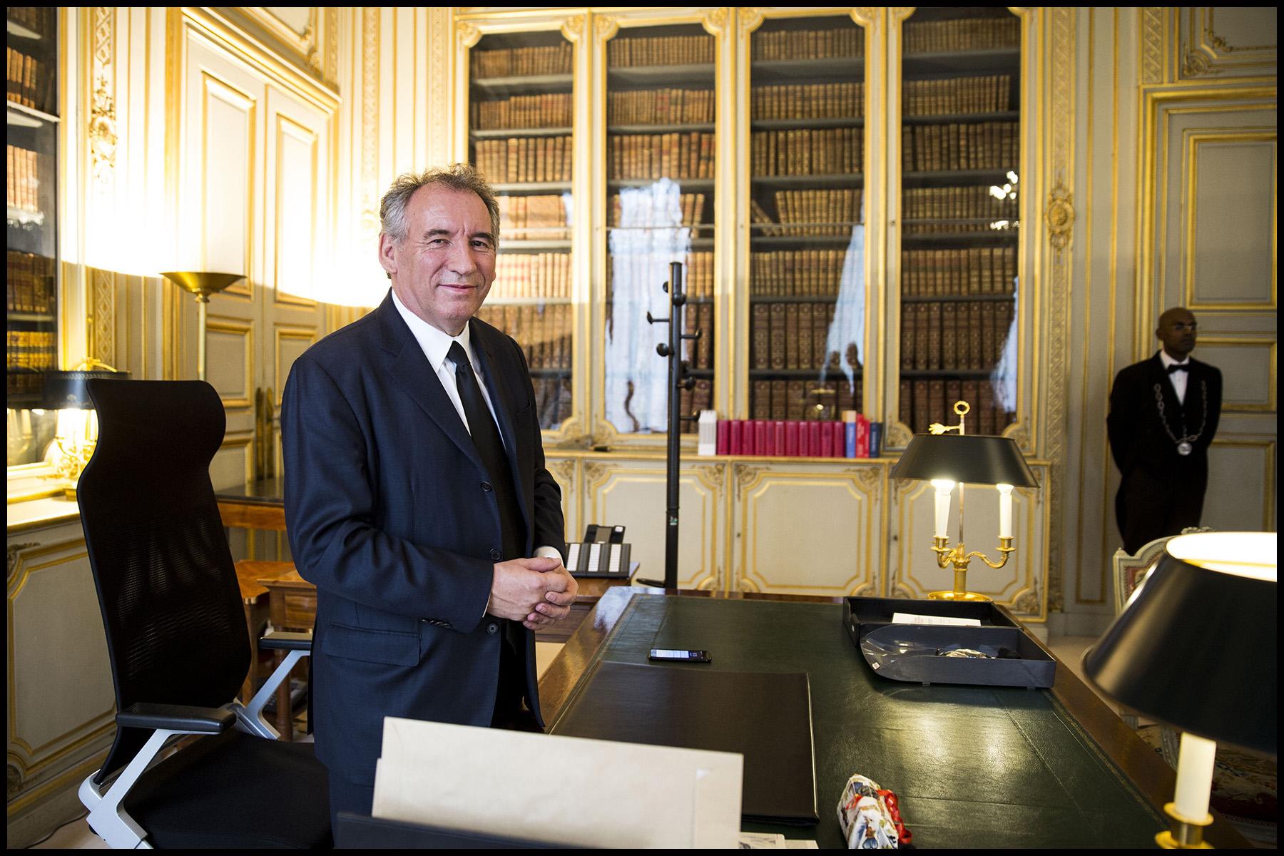 Passation de pouvoir entre Jean-Jacques URVOAS et François BAYROU à la justice