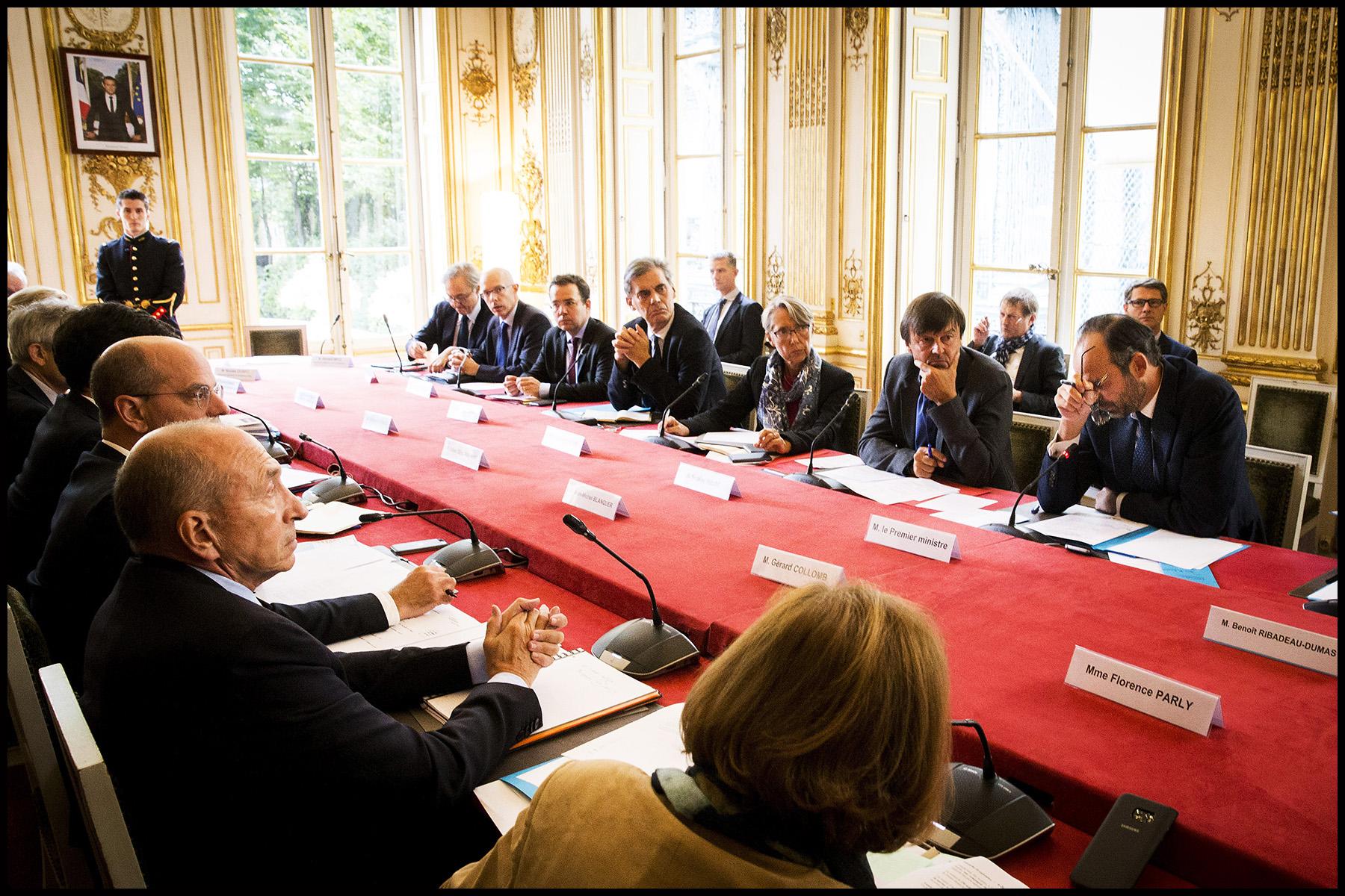 Le premier ministre Edouard PHILIPPE réunit les ministres et opérateurs concernés par l'ouragan Irma.