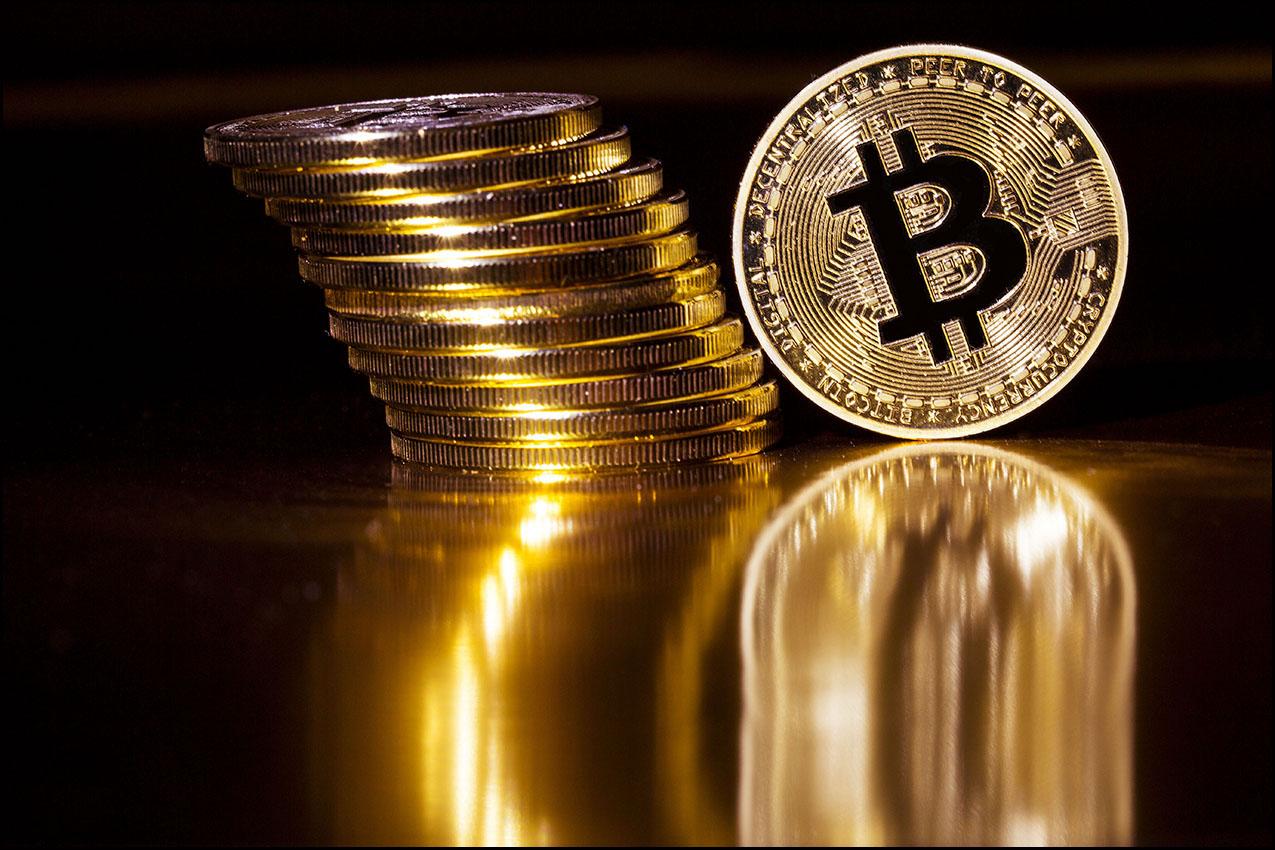 Photos d'illustration sur les cryptomonnaies, Bitcoin et  Litcoin