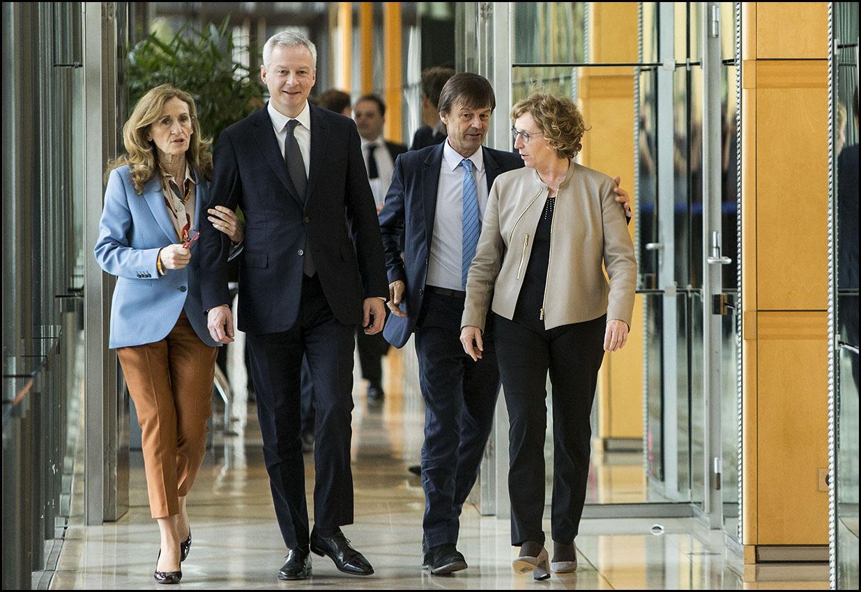 """Remise du rapport de Jean-Dominique Senard et Nicole Notat  à la suite de la mission """"Entreprise et intérêt général""""."""