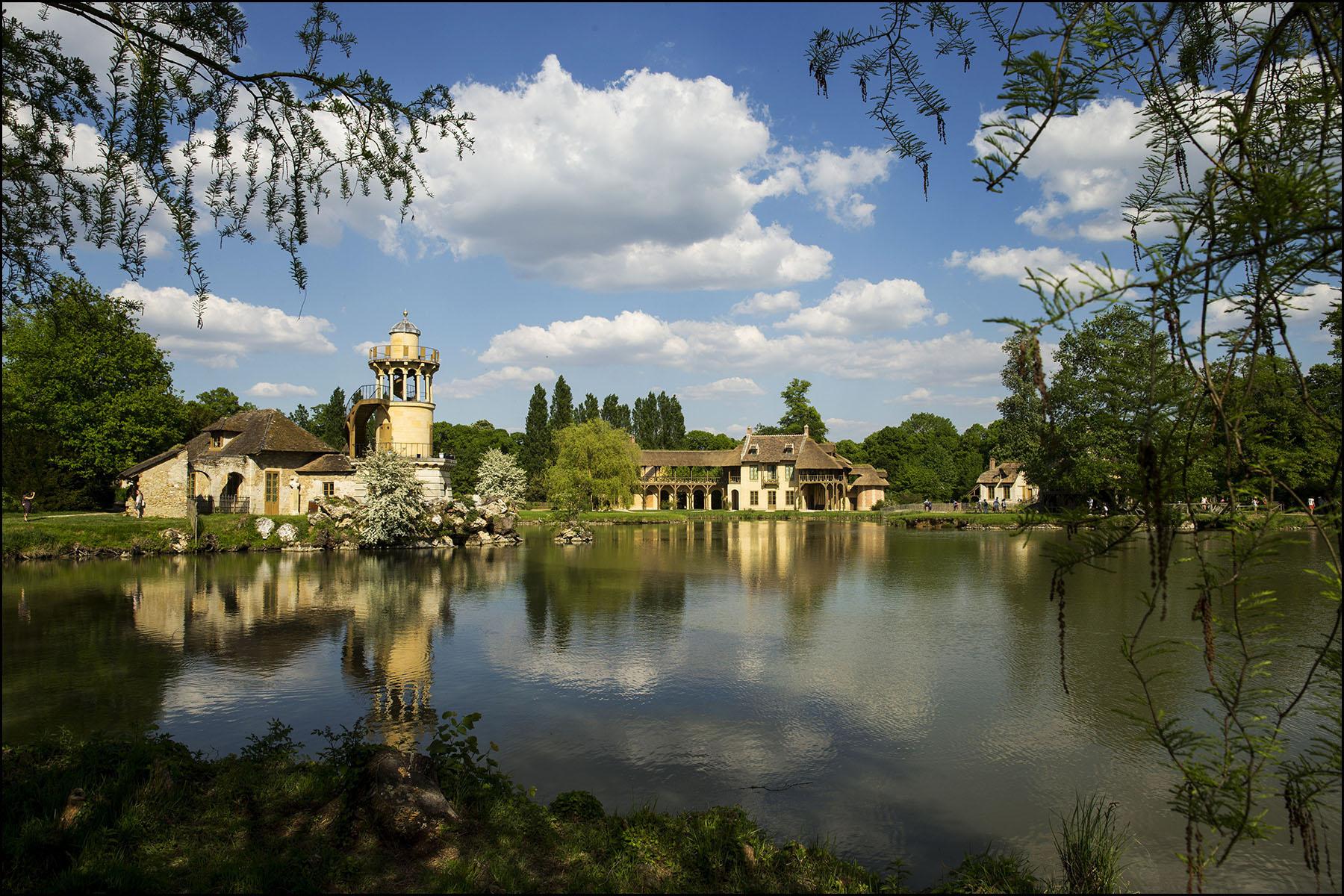 Ouverture après restauration et remeublement de la maison de la reine à Versailles