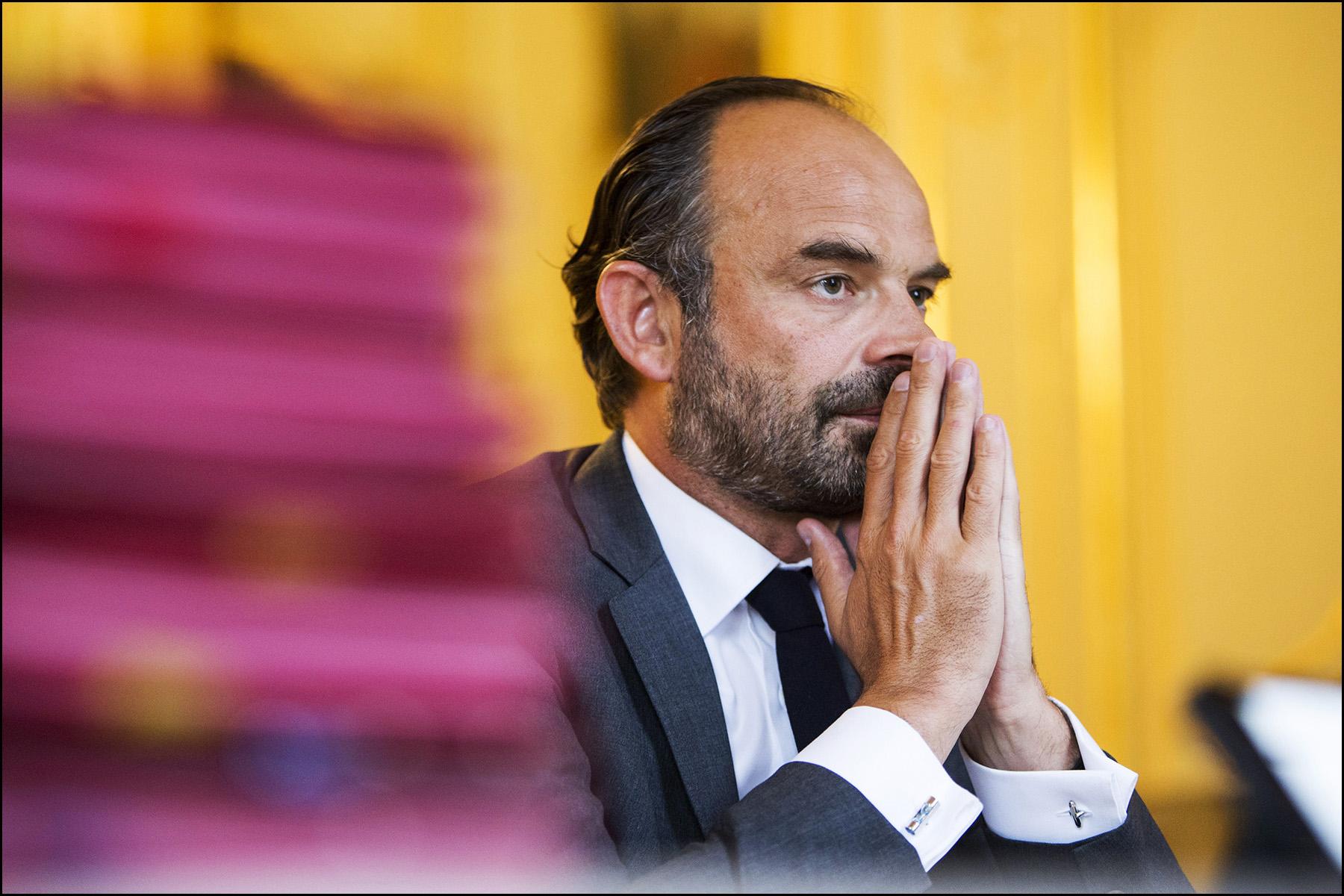 Entretien avec le premier ministre Edouard PHILIPPE dans son bureau de l'Hôtel Matignon.