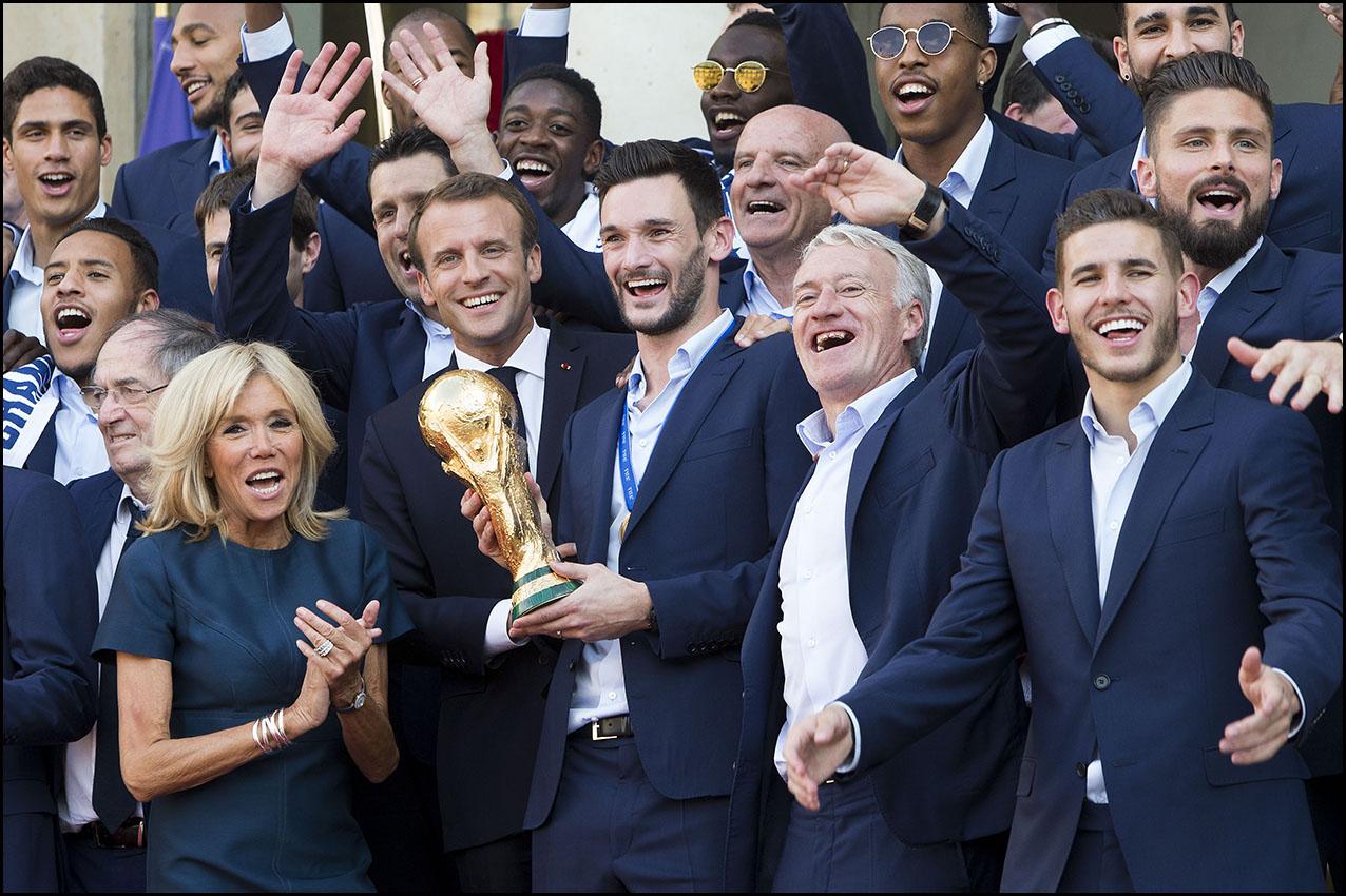 L'équipe de France de football reçue à l'Elysée par Emmanuel MACRON.