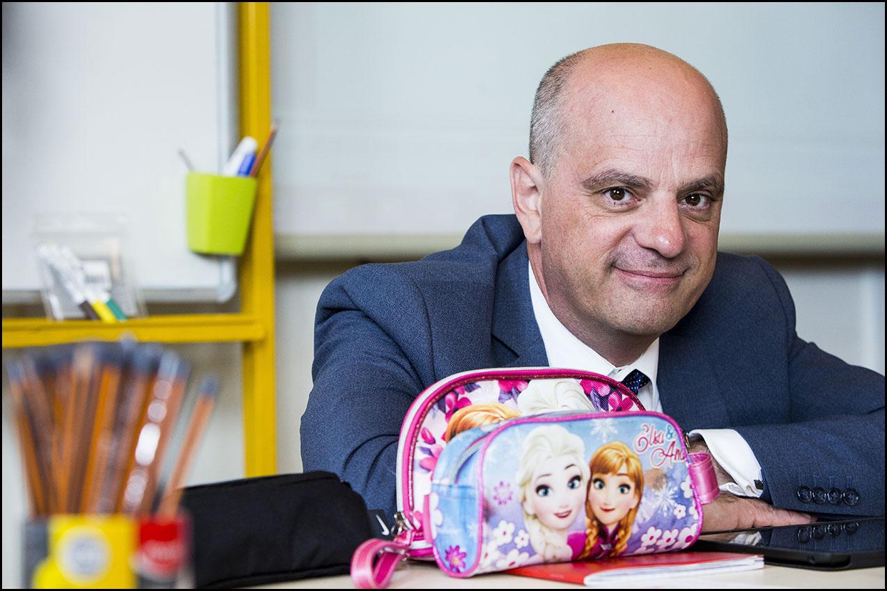 Le ministre de l'éducation nationale Jean-Michel BLANQUER à l'école élémentaire Pascal de Poissy.