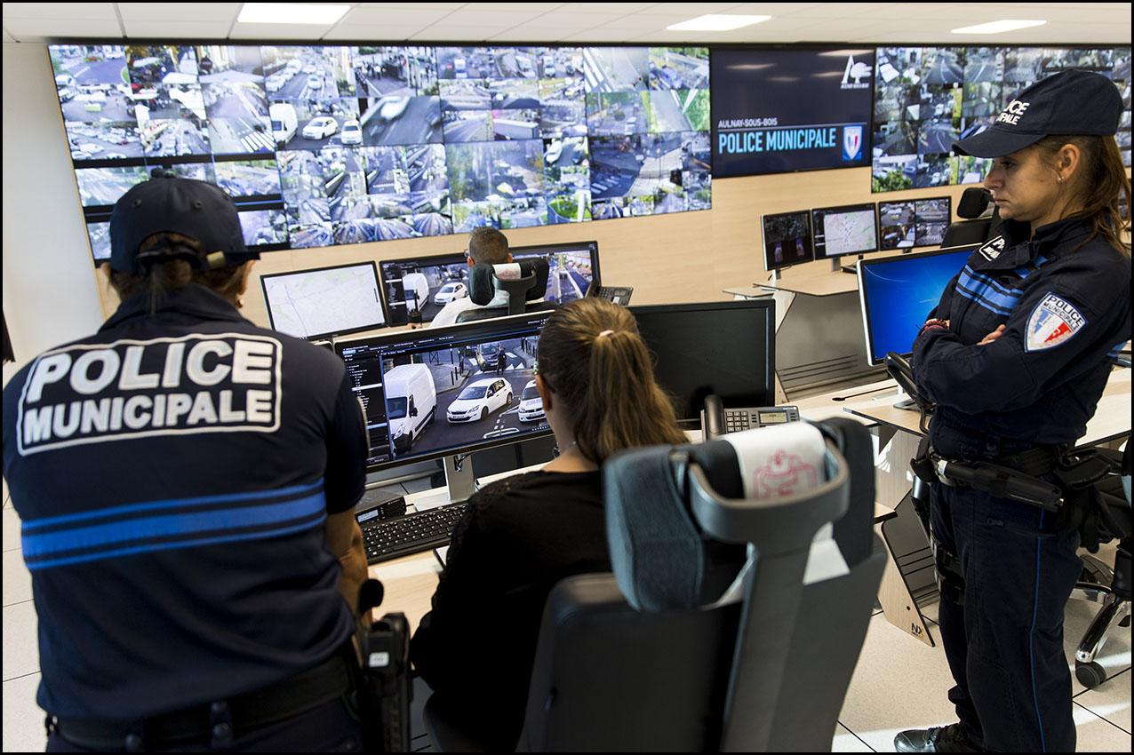 Salle de controle de la police municipale d' Aulnay-sous-Bois.