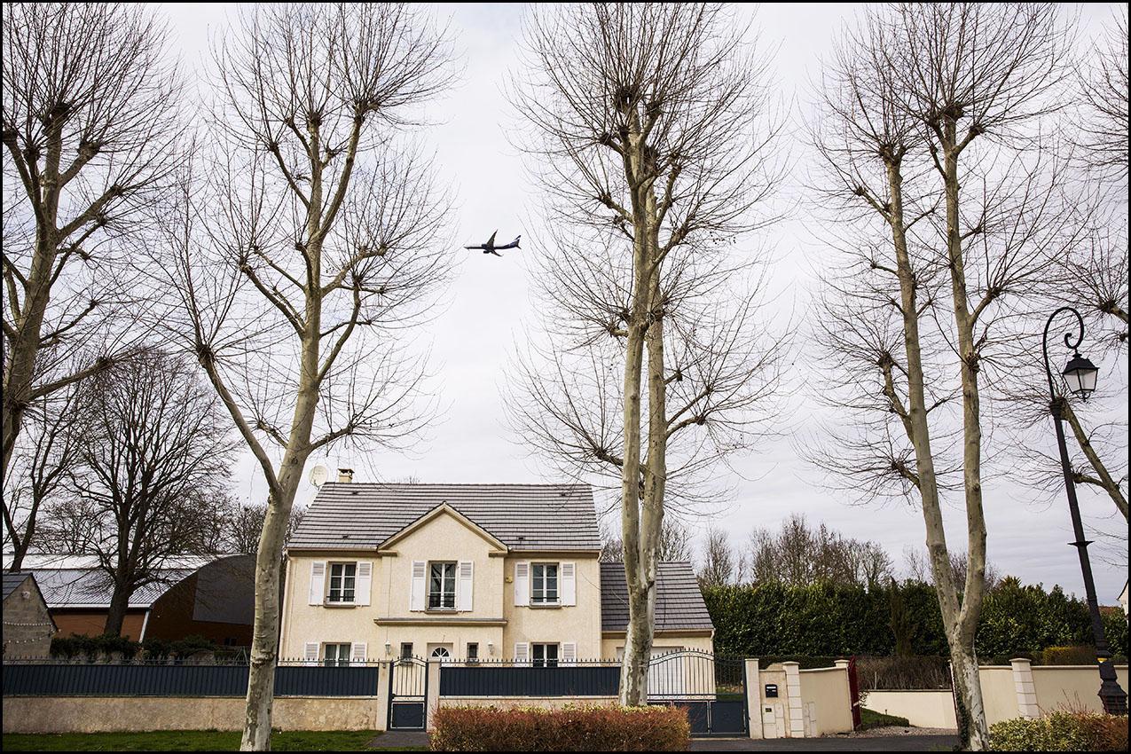 une étude de Bruitparif, l'observatoire du bruit en Ile-de-France montre que c'est dans le village de Compans que les effets du bruit des avions seraient les plus dévastateurs, avec une moyenne de 38 mois d'espérance de vie en bonne santé en moins pour ses habitants.