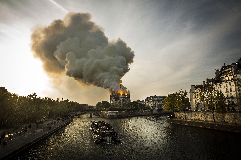 Notre-Dame de Paris en feu – 15 avril 2019